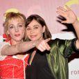 """Julie Depardieu et Emmanuelle Béart à l'avant-première du film """"Les Yeux Jaunes Des Crocodiles"""" au cinéma Gaumont Marignan à Paris, le 31 mars 2014."""