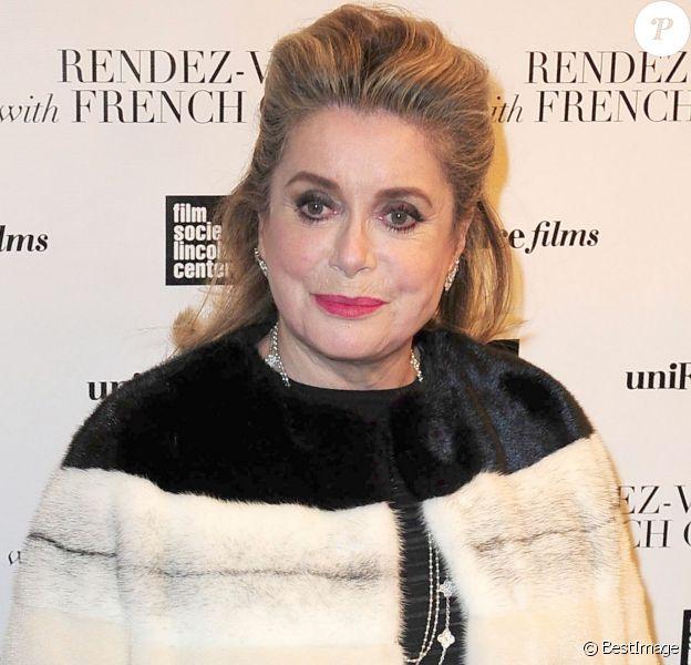 """Catherine Deneuve lors de l'avant-première du film """"Elle s'en va"""" avec le cinéma Français à New York le 6 mars 2014"""