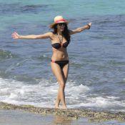 Karine Ferri dévoile son corps de déesse en bikini à Saint-Barth' !