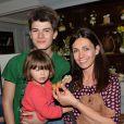 """Exclusif - Adeline Blondieau, son fils Aïtor et sa fille Wilona lors d'un goûter de Pâques """"Tout Chocolat"""" à l'Hôtel de Vendôme à Paris le 9 avril 2014."""