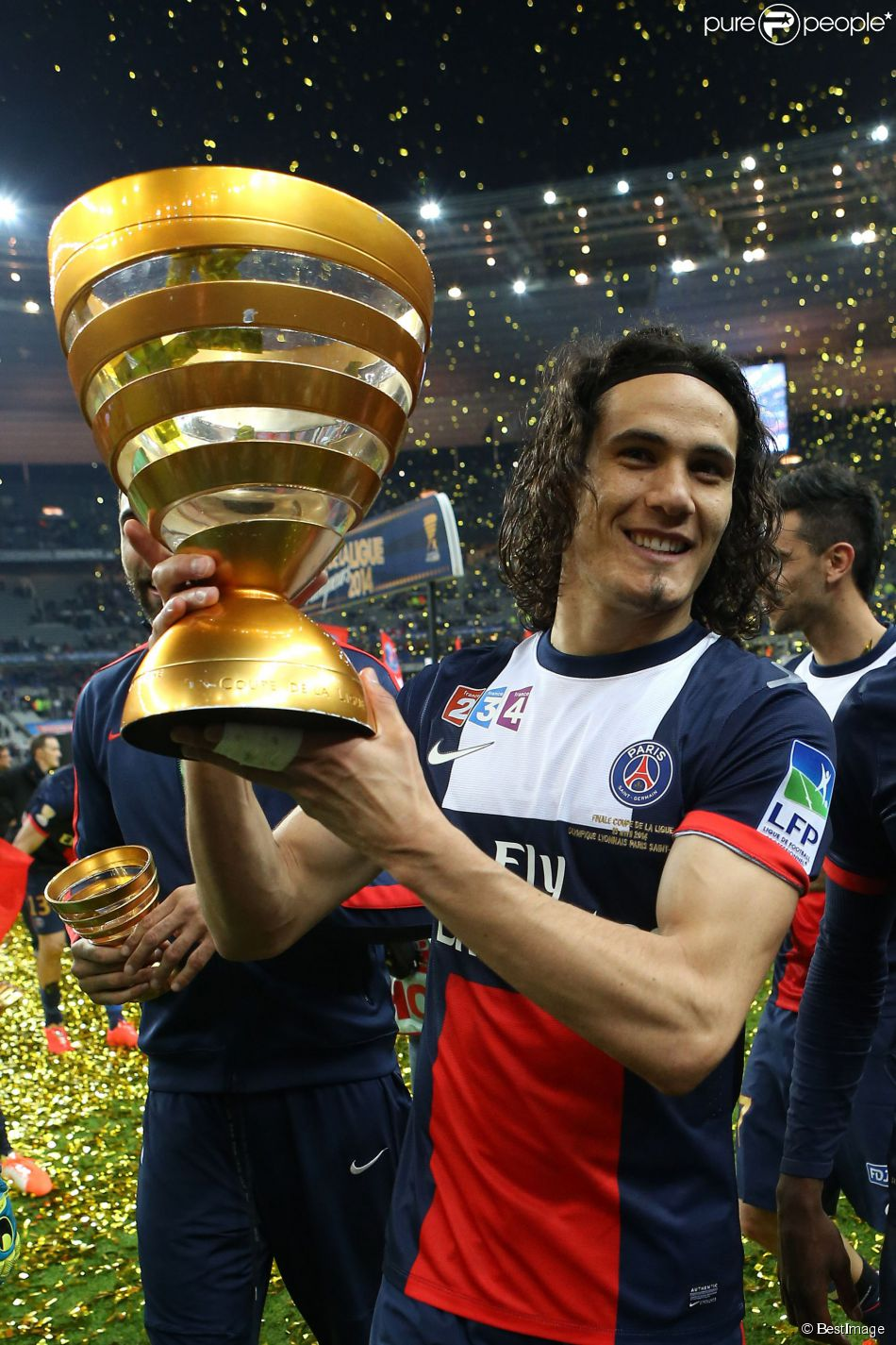 Edinson cavani lors de la finale de football de la coupe - Billetterie psg lyon coupe de la ligue ...