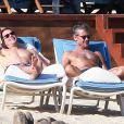Matt Bomer et Simon Hall (qui fête ses 50 ans) à Los Cabos, le 18 janvier 2014.