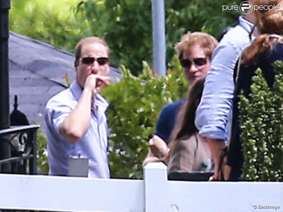 Les princes William et le prince Harry ont eu droit, avec leurs cousines Béatrice et Eugénie, a une visite privée de Graceland à Memphis le 2 mai 2014.