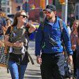 Olivia Wilde, Jason Sudeikis et leur fils Otis se promènent dans les rues de New York le 1er mai 2014.