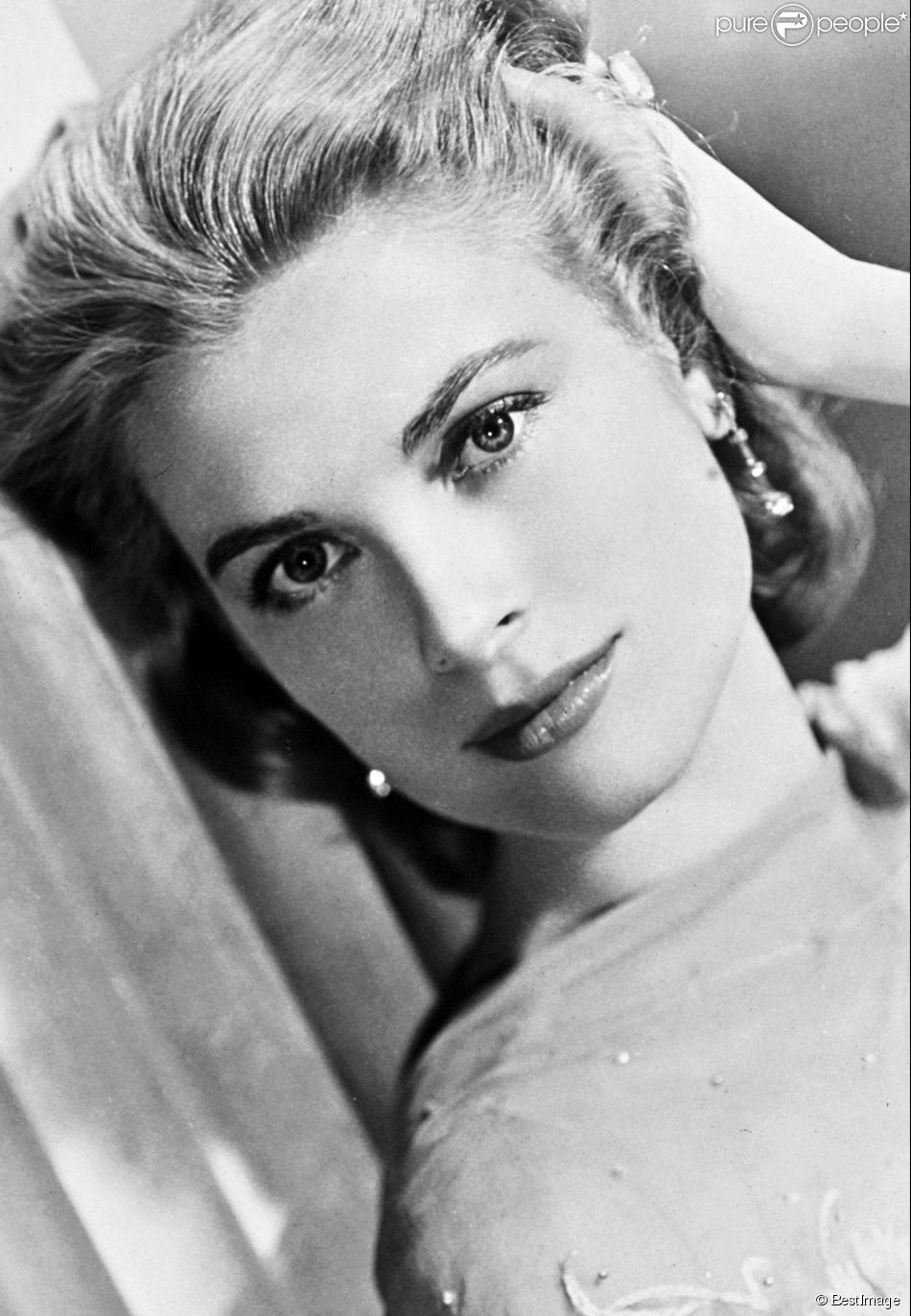 grace kelly itin raire d 39 une ic ne hollywoodienne devenue princesse purepeople. Black Bedroom Furniture Sets. Home Design Ideas
