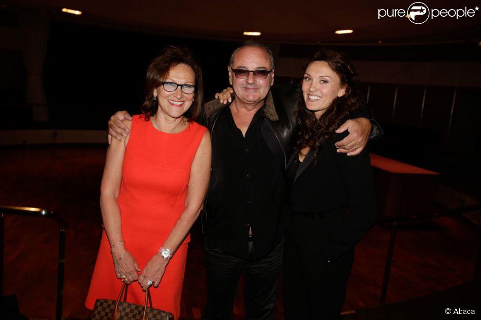 Laura Presgurvic et ses parents Evelyne et Gérard Presgurvic lors de l'avant-première du court métrage Les Limites à L'Elysée Biarritz à Paris le 5 mai 2014