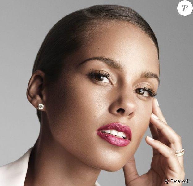 Alicia Keys est l'égérie du nouveau parfum Givenchy.