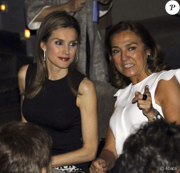 Letizia d'Espagne assistait le 14 mai 2014 à la finale du concours de discours scientifique FameLab, à la salle Galilée, à Madrid.