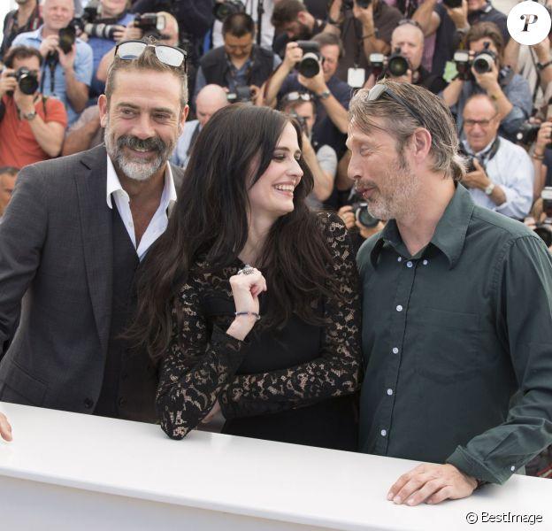 """Jeffrey Dean Morgan, Eva Green, Mads Mikkelsen - Photocall du film """"The Salvation"""" (hors compétition) lors du 67e Festival international du film de Cannes, le 17 mai 2014."""