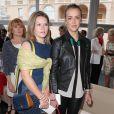 Pauline Ducruet et sa demi-soeur Camille Gottlieb au défilé Croisière Louis Vuitton organisé sur le parvis du palais princier de Monaco, le 17 mai 2014, et placé sous le haut patronage de la princesse Charlene.