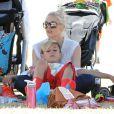 Gwen Stefani avec ses fils à Brentwood, le 17 mai 2014.