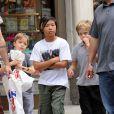 Pax, Shiloh et Knox, les enfants de Brad Pitt et Angelina Jolie, à New York le 12 mai 2014