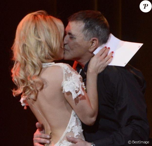 Jean-Marie Bigard et sa femme Lola - Jean-Marie Bigard fête ses 60 ans sur la scène du Grand Rex à Paris le 23 mai 2014.23/05/2014 - Paris