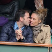 Roland-Garros : Clovis Cornillac supporter amoureux avec sa jolie Lilou