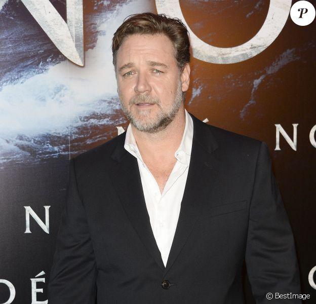 """Russell Crowe lors de l'avant-première du film """"Noé"""" au Gaumont Marignan à Paris, le 1er avril 2014."""