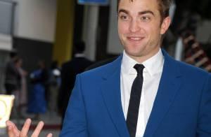 Robert Pattinson, séduisant célibataire face à la bombe Jaime King