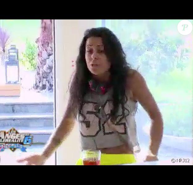"""Shanna s'énerve contre Dania - """"Les Anges de la télé-réalité 6"""" sur NRJ12. Episode du 16 jun 2014."""