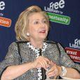 """Hillary Clinton dédicace son livre """"Hard Choices"""" à Philadelphie, le 13 juin 2014."""