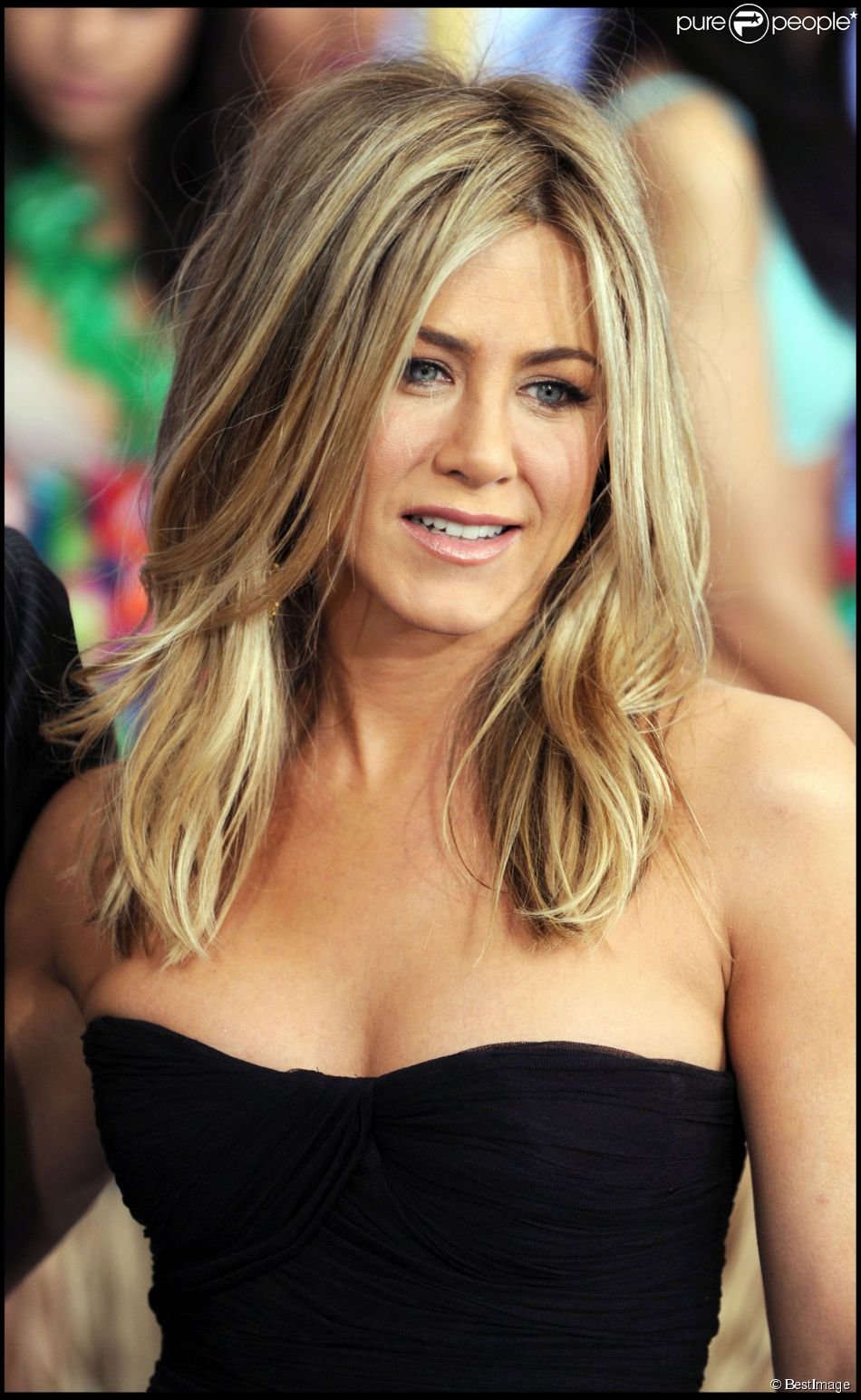 Jennifer aniston comment obtenir sa chevelure de r ve purepeople - Coiffure jennifer aniston ...