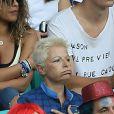 La mère de Matthieu Valbuena, lors du match Suisse-France, au stade Fonte Nova à Salvador de Bahia au Brésil, le 20 juin 2014, pendant la coupe du monde de la FIFA 2014.