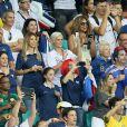 Le père, la mère, la compagne et la soeur de Mathieu Valbuena dans les tribunes lors du match Suisse-France, au stade Fonte Nova à Salvador de Bahia au Brésil, le 20 juin 2014, pendant la coupe du monde de la FIFA 2014.