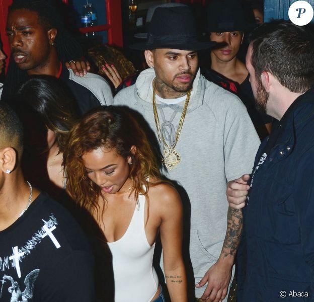 Chris Brown quitte la boîte de nuit Hooray Henry's à West Hollywood. Los Angeles, le 21 juin 2014.