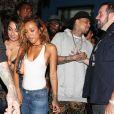Chris Brown et sa petite amie Karrueche Tran quittent la boîte de nuit Hooray Henry's à West Hollywood. Los Angeles, le 21 juin 2014.