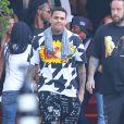Exclusif - Chris Brow quitte l'hôtel SLS à Beverly Hills. Le 20 juin 2014.