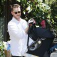 Ginnifer Goodwin s'est offert une sortie avec son mari Josh Dallas et leur fils Oliver, à une fête d'anniversaire à Los Angeles, le 29 juin 2014.