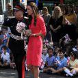 """""""La belle Kate Middleton, la duchesse de Cambridge, visite l'école maternelle Blessed Sacrament School à Islington, bénéficiaire du programme M-PACT Plus, le 1er juillet 2014."""""""