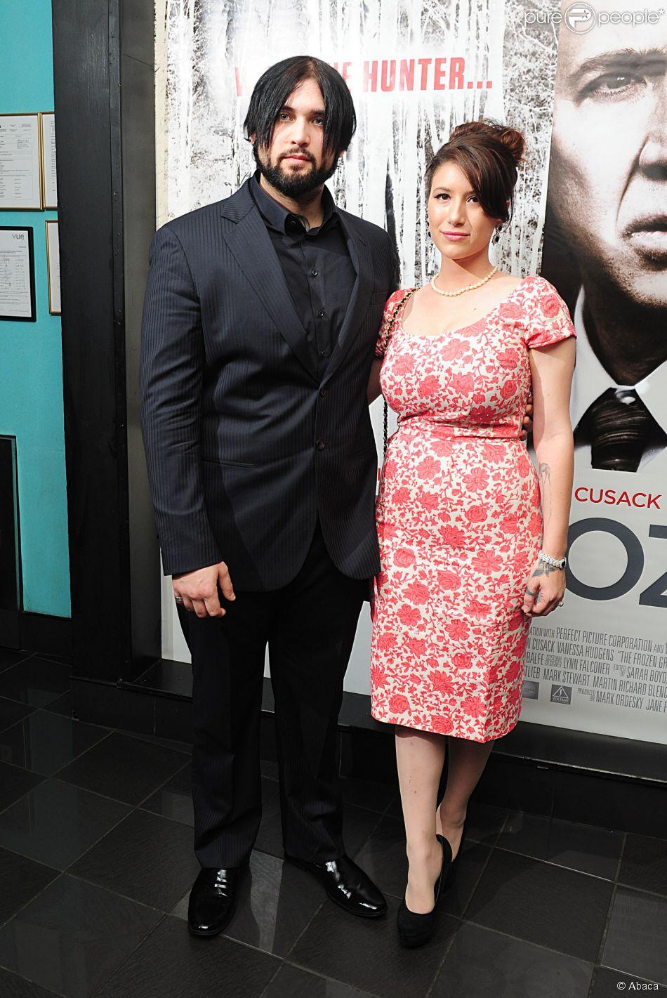 """Weston Cage et son épouse Danielle à la première du film de """"The Frozen Ground"""", à Londres le 17 juillet 2013."""