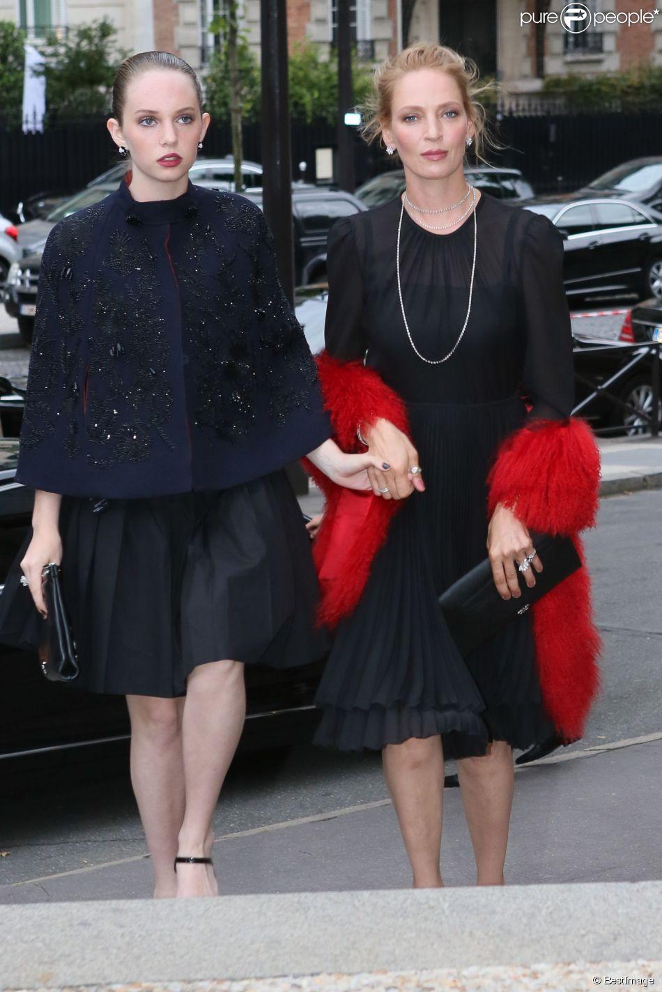 Uma Thurman et sa fille Maya Hawke arrivent au Palais d'Iéna pour assister au défilé Miu Miu croisière 2015. Paris, le 5 juillet 2014.
