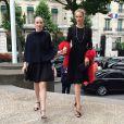Maya Hawke et Uma Thurman arrivent au Palais d'Iéna pour assister au défilé Miu Miu croisière 2015. Paris, le 5 juillet 2014.