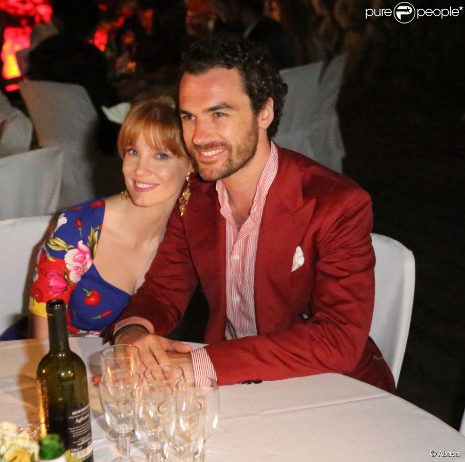Jessica Chastain et son chéri Gian Luca Passi de Preposulo lors d'une soirée à la Villa Colombaia, Ischia, le 12 juillet 2014.