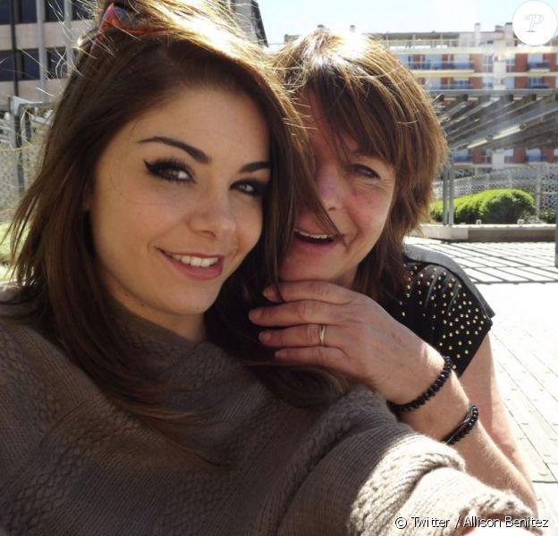 Allison Benitez et sa mère, Marie-Josée sur une photo postée sur son compte Twitter.