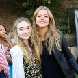 Sabrina Carpenter et Sasha Pieterse à la soirée Just Jared Summer Party au Pink Taco à West Hollywood, le 12 juillet 2014.
