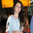 Lana Del Rey arrive à l'aéroport de Heathrow à Londres le 12 juin 2014.