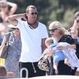 Gwen Stefani, son mari Gavin Rossdale et leur fils Apollo Rossdale quittent le Club 55 à Saint-Tropez, le 1er août 2014.
