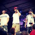 """Joe Budden (avec Joell Ortiz à gauche et Royce da 5'9""""). Mars 2014."""