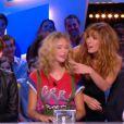 La nouvelle Miss météo du Grand Journal de Canal+, Raphaëlle Dupire, soutenue par Doria Tillier pour sa grande première. Le 25 août 2014.