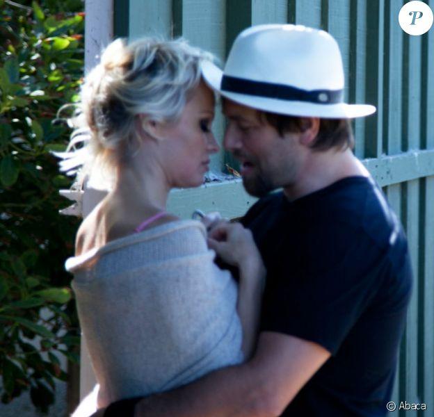 Pamela Anderson et Ricky Salomon à Malibu, le 17 juillet 2014