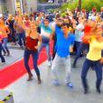 Des danseurs lors de la première de la saison 3 de Touche pas à mon poste sur D8, le lundi 1er septembre 2014.