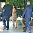 Kim et Kourtney Kardashian arrivent à la baby shower d'Abbey Wilson à Los Angeles, le 1er septembre 2014.