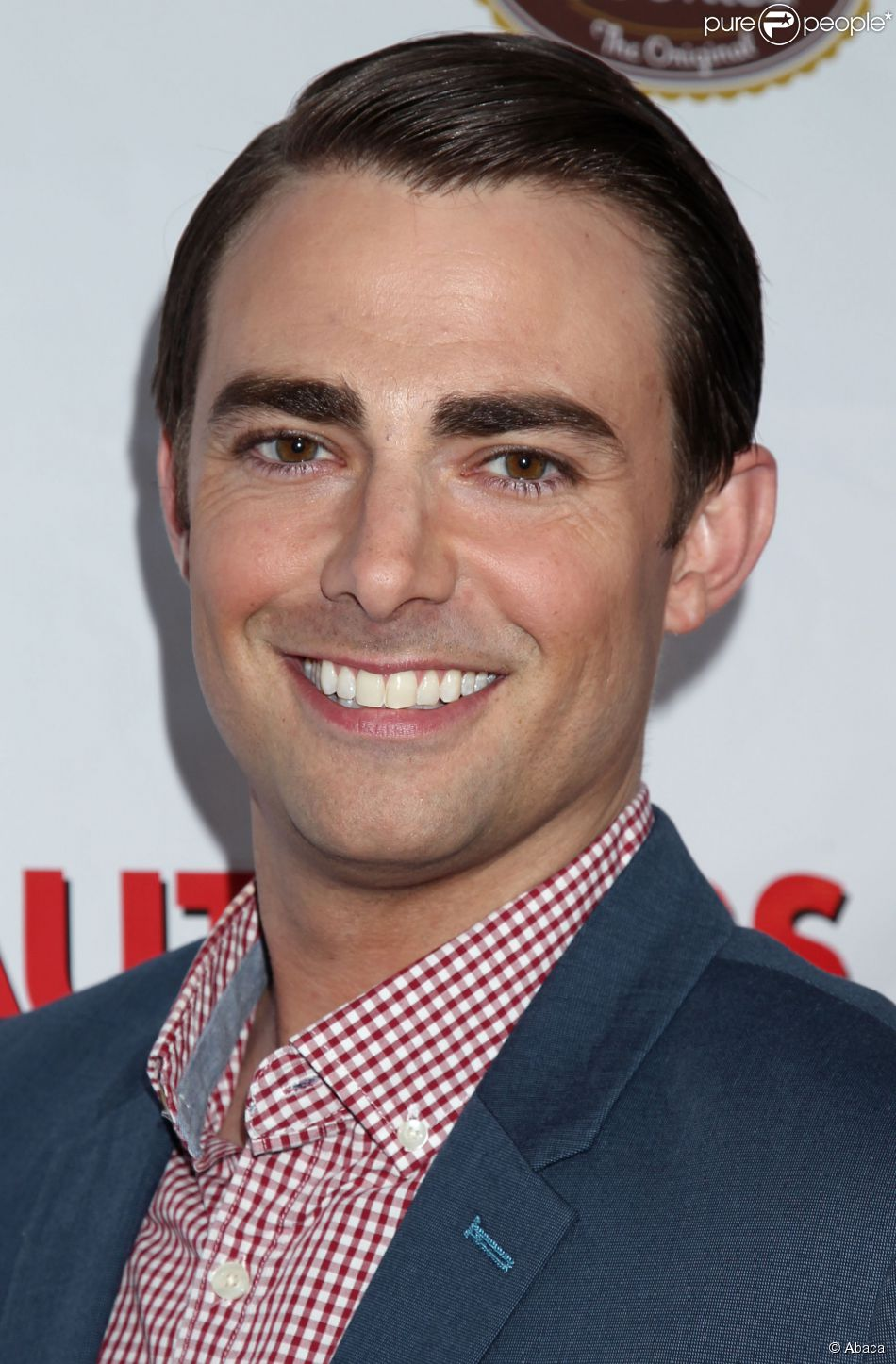 jonatthan bennett article 15 celebrities you didn't know were gay jonathan bennett jonathan bennett was famous for starring aaron samuels in the 2002 comedy film mean girls we may hate to burst your bubble here, but jonathan bennett is gay, and his ex-boyfriend was matt dallas 4.