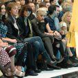 Anna Wintour, Stella McCartney, Nancy Shevell, Sir Paul McCartney, Chrissie Hynde, Rita Ora et Jamie Campbell Bower assistent au défilé Hunter Original printemps-été 2015. Londres, le 13 septembre 2014.
