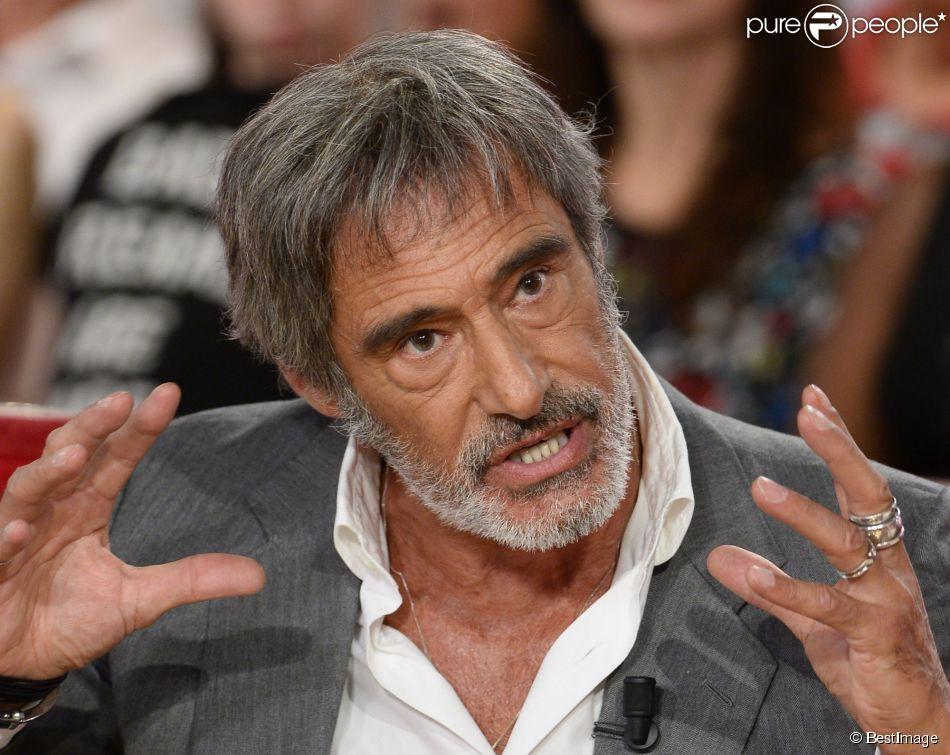 """Gérard Lanvin - Enregistrement de l'émission """"Vivement Dimanche"""" à Paris le 3 septembre 2014. L'émission sera diffusée le 7 septembre."""