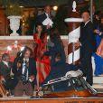 Amal Alamuddin, sublime, et ses proches quittent le Cipriani, le 26 septembre 2014 à Venise, pour sa soirée d'enterrement de vie de jeune fille avant son mariage avec George Clooney.