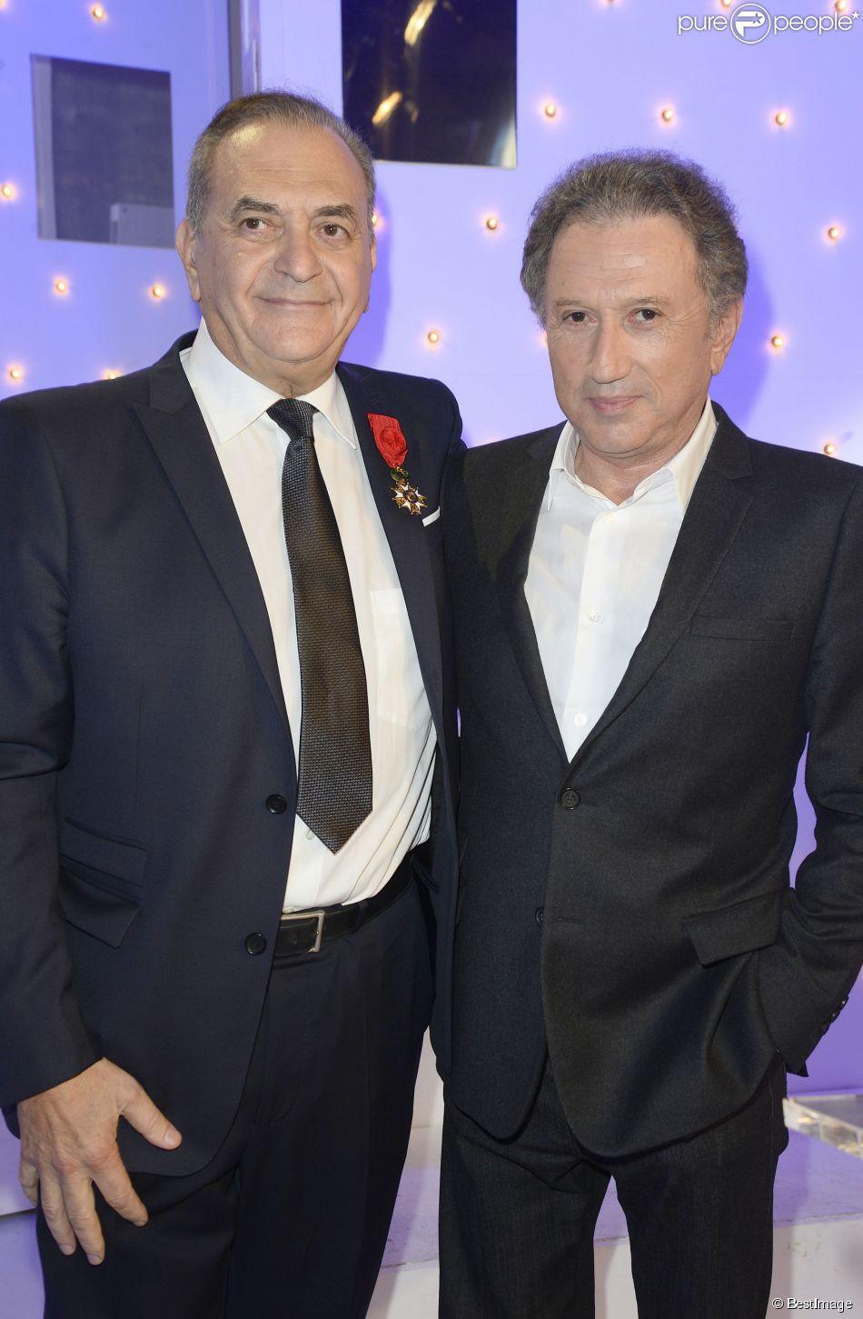 Jean Nainchrik et Michel Drucker - Michel Drucker a remis la Légion d'honneur à Jean Nainchrik au Pavillon Gabriel à Paris, le 28 septembre 2014.