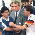 Lothar Matthäus et Diego Maradona après la finale de la Coupe du monde le 8 juillet 1990.