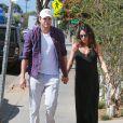 Exclusif - Mila Kunis enceinte et son fiancé Ashton Kutcher dans les rues de Venice, le 17 septembre 2014.
